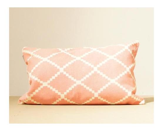 Roze zigzag kussen
