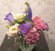 Gevuld vaasje paars-rose